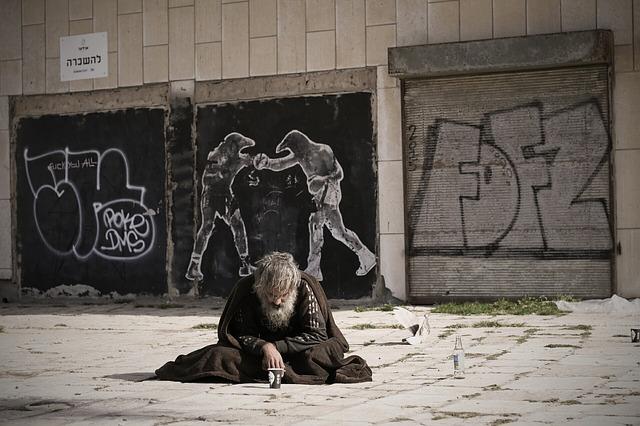 homeless-2223116_640